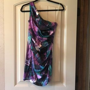 Woman's small (size 3) on shoulder dress
